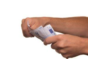 Limitation paiements et dons en espèces